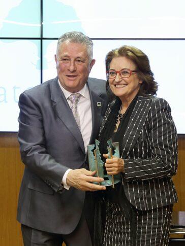 Federación Autismo Castilla y León recibe un premio en las Cortes Aragonesas por un Proyecto Pionero en España de Atención a Personas con Autismo en los Servicios de Urgencias de Castilla y León