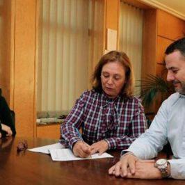 Ayuntamiento y Autismo León amplían el convenio para que los niños con TEA participen en los campus, ludoteca y Escuelas Deportivas