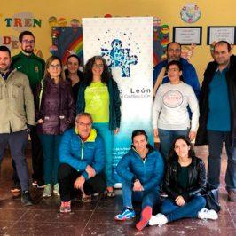 Autismo León recibe un donativo de 1.000 euros de DKV Seguros