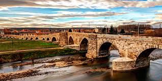 Puente medieval (Hospital de Orbigo)