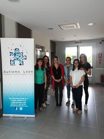 Visita de Federación a Autismo León